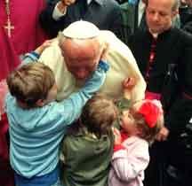 Papież Polak z dziećmi