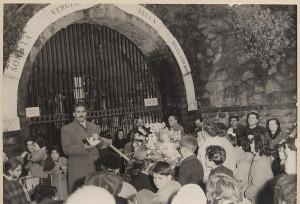 cornacchiola_cancello_grotta